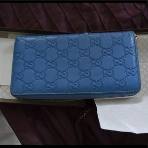 Gucci hologram sky blue travel wallet in box